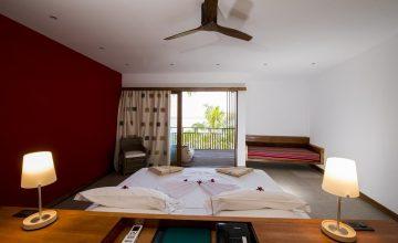 Barefoot Eco Hotel